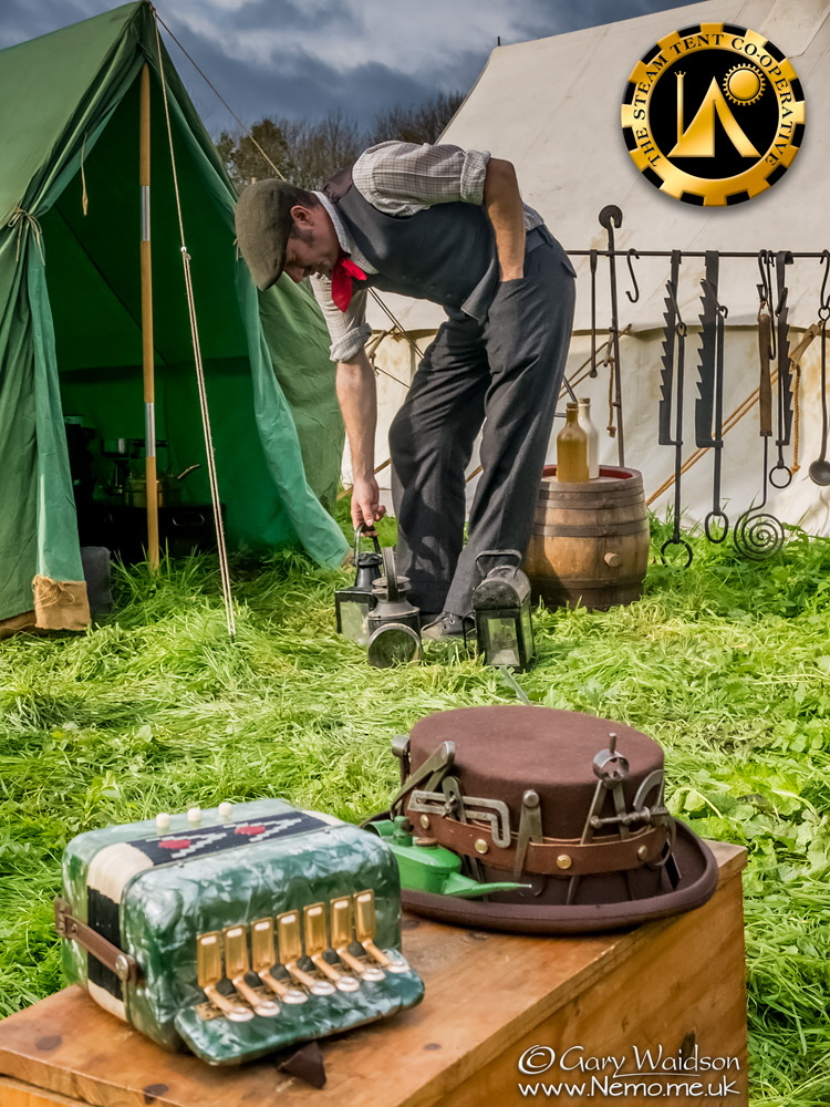 the perfect blend of vintage, antique and Steampunk. The Steam Tent Co-operative. © Gary Waidson - www.Nemo.me.uk